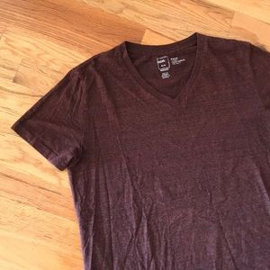 BDG Slim Fit V-Neck Maroon
